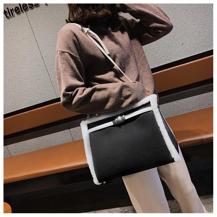 Korean handbag large capacity bucket hand bag designer big tote designer Fur women messengerc winter shopping wool no lock 109