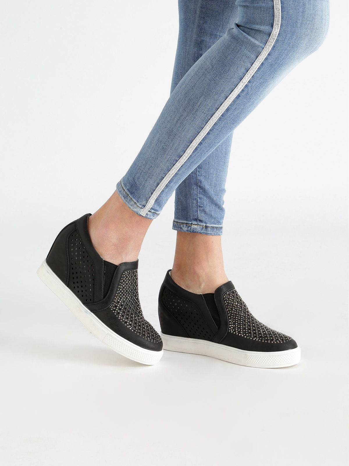 JANESSA Sneakers Perforated With Rhinestone