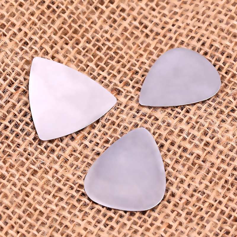 100pcs Metal Guitar Pick Picks Triangle Stainless Steel Plectrums 0.3mm Thickness
