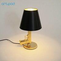 ArtPad 이탈리아 창조적 인 어린이 침대 옆 램프 금속 전기 도금 실버/골드 총 테이블 램프 연구 침실 홈 조명 E27