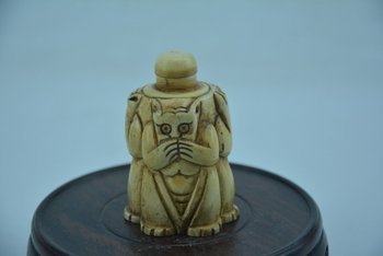 Rare old bone snuff bottle,Three monkeys,About evil morality,Do not listen ,do not do,do not look,Hand carved,free shipping фото