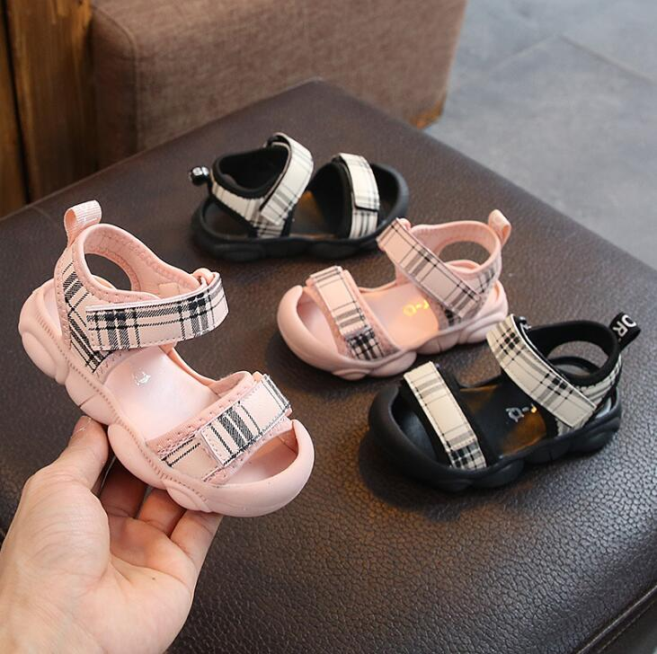 2019 New Summer Children Soft Leather Sandals For Girls Boys Close Toe Fashion Beach Shoes Girls Princess Sandals Pink2019 New Summer Children Soft Leather Sandals For Girls Boys Close Toe Fashion Beach Shoes Girls Princess Sandals Pink