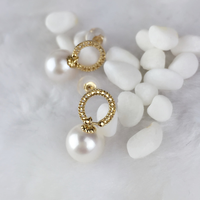 18K Yellow Gold Natural Freshwater Pearl Stud Earrings