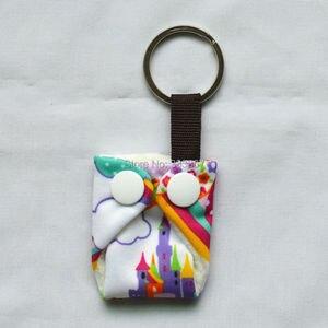 Image 2 - [Sigzagor]50 Leuke Mini Tiny Doek Luier Sleutelhangers Sleutelhangers, Schattig, Baby Shower Gift, mama Gift Kerst Ornament,14 Keuzes