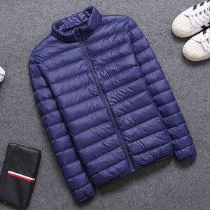 Image 2 - 2019 frühling/Herbst Männer Nehmen Jacken Mode Leichte, Tragbare Stehkragen Plus Größe 5XL Männliche Ente Unten Mäntel Freiheit verkauf