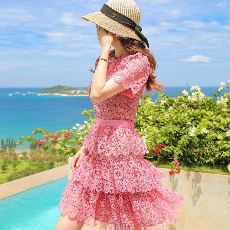 Top qualität Runway Kleid 2018 nette Frauen rosa Spitze kleid ausschnitt Kurzarm Sunflower Kuchen Party Kleid robe ete femme jurken-in Kleider aus Damenbekleidung bei  Gruppe 2