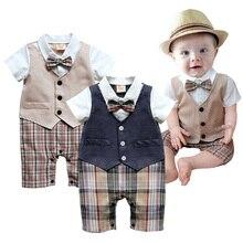 Bebé mamelucos recién nacido Caballero traje verano pajarita ocio esmoquin  a cuadros de algodón monos infantiles ropa del muchac. 7627e708e6a
