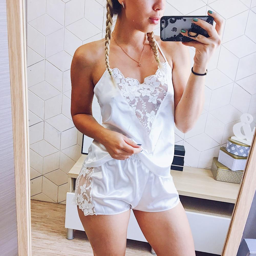 Set Piyama Satin Renda Potong Pijama Celana Pendek Seksi Cami Pakaian Tidur Pengantin Setelan untuk Wanita 4