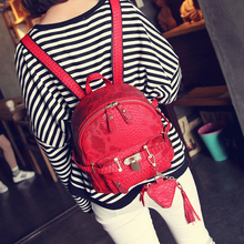 In the spring of 2017 New Solid Snake backpack women s casual fashion Pu embossed small backpack bag