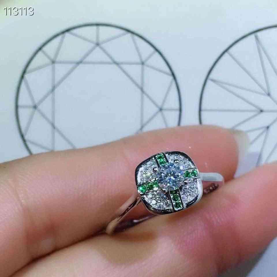 [MeiBaPJ التألق الطبيعي المويسانتي الأحجار الكريمة الأزياء بسيط الأخضر خاتم للنساء 925 الاسترليني الفضة غرامة مجوهرات الزفاف