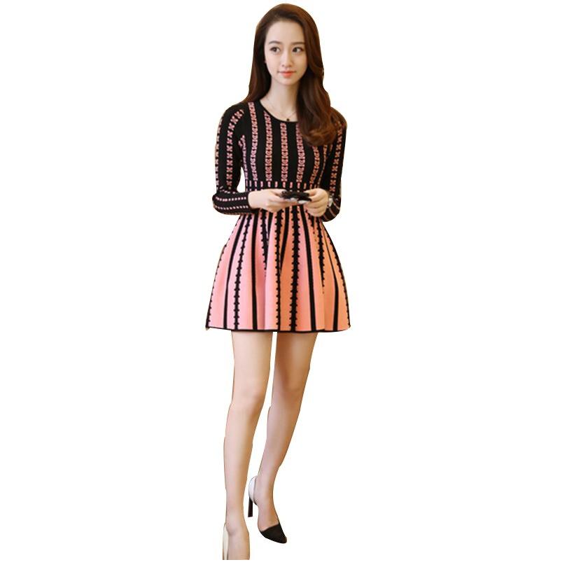 2018 Woman Dress Slim Spring Autumn Fashion Women A Line Dress Long Sleeve High Waist Knitted Gradient Colored patterns Print dabuwawa 2016 slim fashion gray jeans women autumn