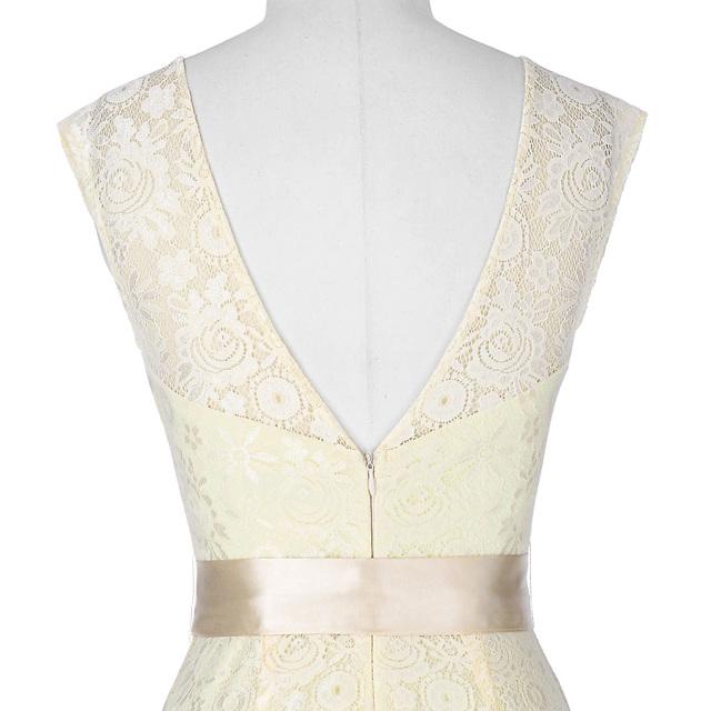 Cap Sleeve Mermaid Evening Dress Elegant Crew Neck V-Back Lace Prom Dress Floor Length Black Long Evening Gown Vestidos