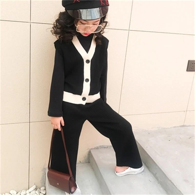 Baby girl autumn suit 2018 new Korean version of the female big children fashion V-neck knit wide leg pants foreign gas two sets baby baby 2018 new baby korean version striped pp pants suit
