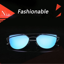 Assilor HD Polarized 2018 New Design with Hot Sale Cat Style Colorful Lens UV400 Ultraviolet Fashion Women Sunglasses