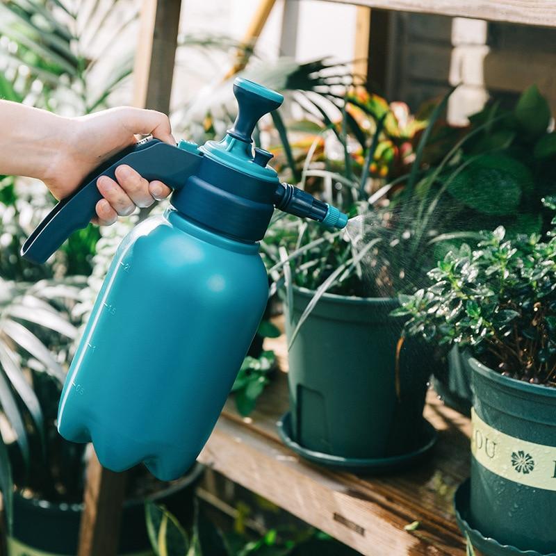 Horticultural watering pot, pressure sprayer, household kettle, small spray bottle, kettle.