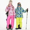 Ternos De Esqui de Neve 2016 novas Crianças Do Bebê Das Meninas Dos Meninos Desgaste Ao Ar Livre Revestimentos Encapuçados + Bandagem Calças Crianças Inverno Quente Conjuntos de Casaco esporte