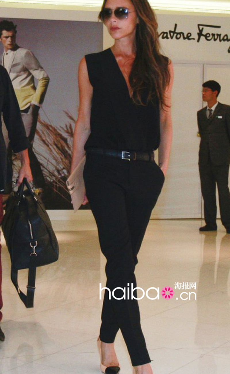 5042420e4fe 2017 New Victoria Beckham Sleeveless Turn Down Collar Solid Jumpsuit  E5140-in Jumpsuits from Women s Clothing   Accessories on Aliexpress.com