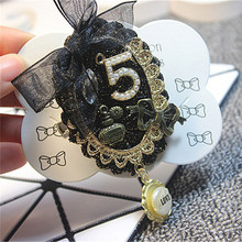 цена на Mix Styles High Quality Tassel 5 Pendant Brooches Handmade Lace Decoration All Match 5 Letter cc Brooch Suit Pin Accessories
