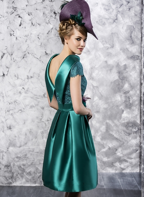 2015 Hot Sale Elegant Turquoise Scoop Neckline Lace Applique Mother of the Bride Dresses Knee Length for Weddings(MO-8131)