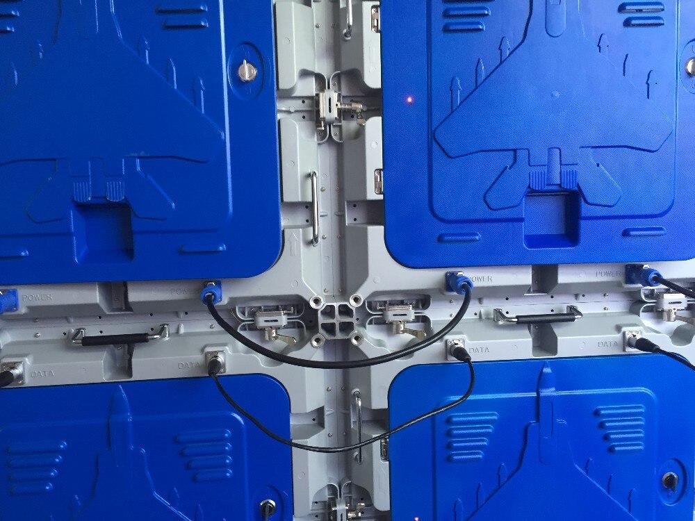 P5 RVB d'intérieur a mené le panneau, SMD2121, 640X640mm en aluminium de coffret de moulage mécanique sous pression, vidéo polychrome a mené l'écran d'affichage, mur visuel mené
