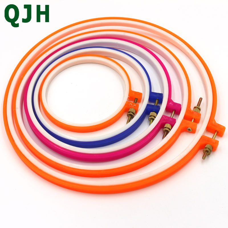 5pcs QJH brand Plastic Embroidery and Cross Stitch Hoop Set Embroidery Hoop Ring Frame Adjustable <font><b>Sewing</b></font> Tools