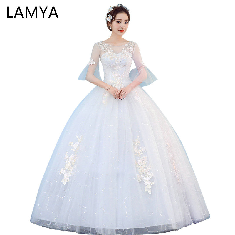 LAMYA Plus Storlek Sexig Rygglösa Bröllopsklänning Med Lace Half Sleeve 2018 Crystal Sashes Bride Gown Wed Dresses Vestido de Noiva