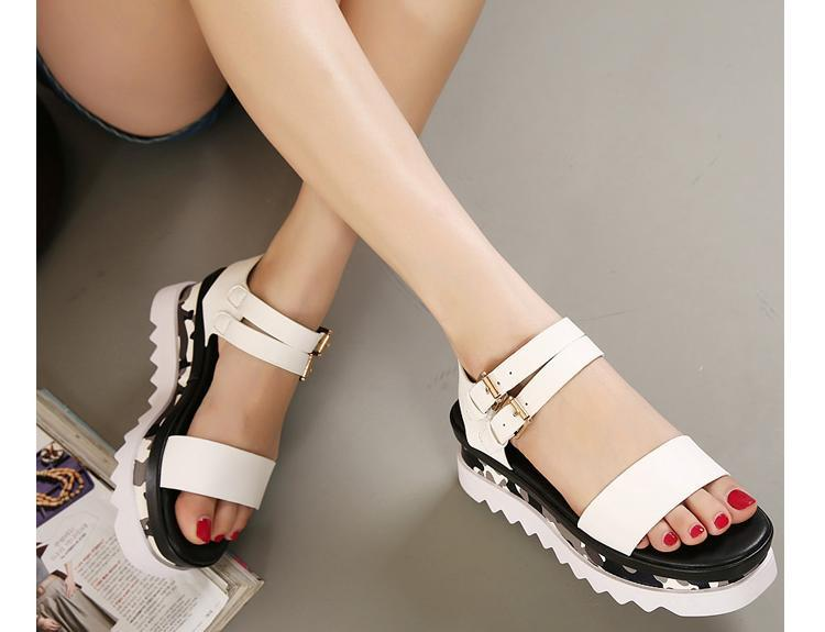 White Chunky Black Sole Crj53al4q Platform Strappy Sandals Thick Wedges NnO8m0wv