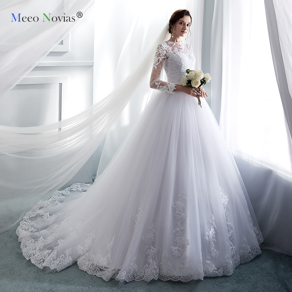 Real Retro Weddings: Ryanth White Wedding Dresses Long Sleeves Ball Gown Bride