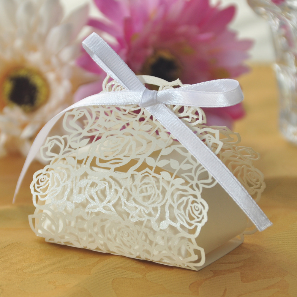 50pcs White Small Rose Flower Laser Cutting Candy Box Wedding Favor Mariage Favors And