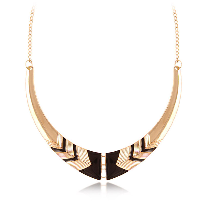 Black  Vintage Fashion Statement Necklaces Personality Crescent Necklace Short Women Moon Necklace Gold Chainn N1775