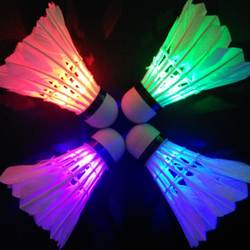 Освещение бадминтон Темная ночь цветное светодиодное освещение Спорт бадминтон световое пятно Волан