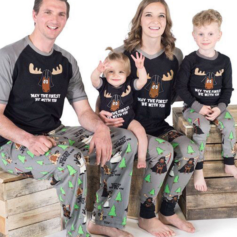 2017 Brand New Family Matching Christmas Pajamas PJs Sets Xmas Sleepwear Nightwear Top+Pant Xmas Santa Clothes