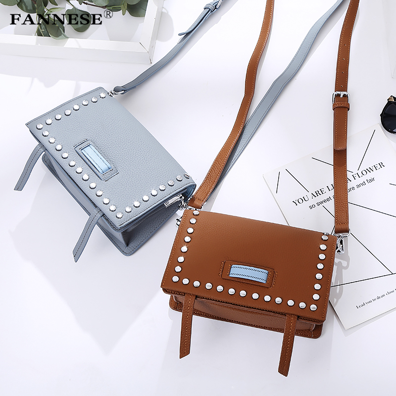 2018 new rivet leather bag messenger bag bag large Korean diagonal leather Authentic Women Crocodile Bag Hot Selling Tote Women qiaobao 2018 new korean version of the first layer of women s leather packet messenger bag female shoulder diagonal cross bag