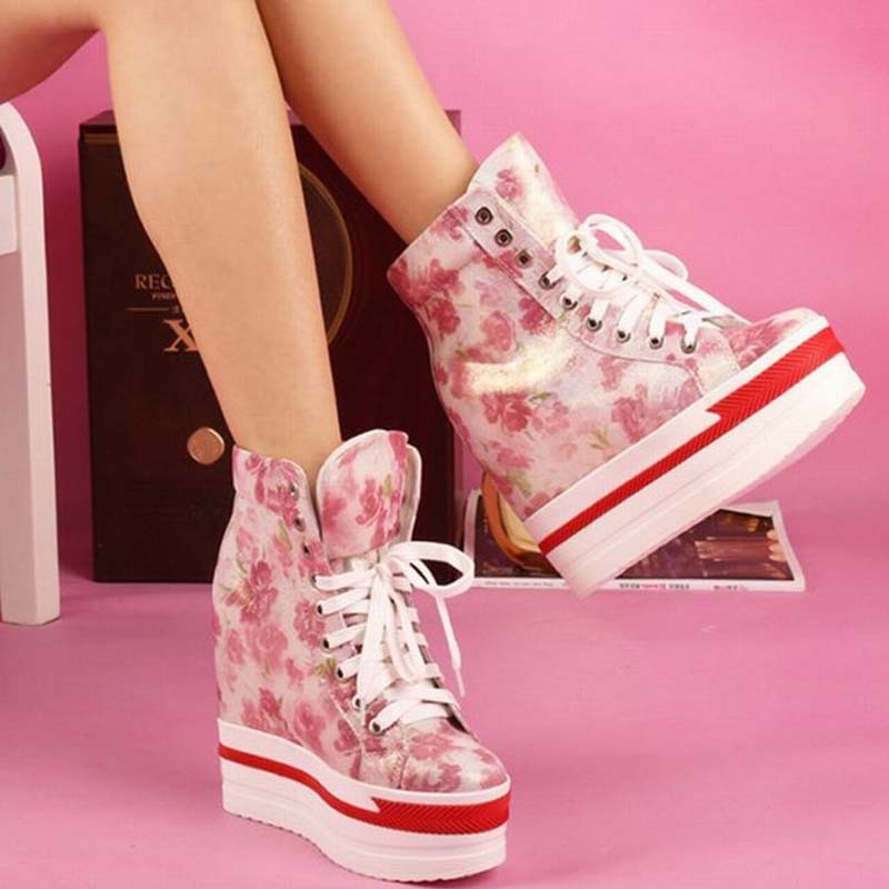Flowers Print Ankle Boots Wedge High Heels Shoe Ladies High Top Lace-up Casual Shoes Elegant Women Sheepskin Zapatos Mujer Botas 2018 wedge high heels thick soled high top ladies casual shoes women platform canvas shoes hidden wedge heel boots zapatos mujer