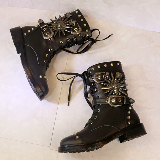 becbc2e93c252 Genuine Leather Women Combat Boots Punk Style Cool Motorcycle Booties  Studded Lace Up Botas Militares Fashion Black Shoes Woman