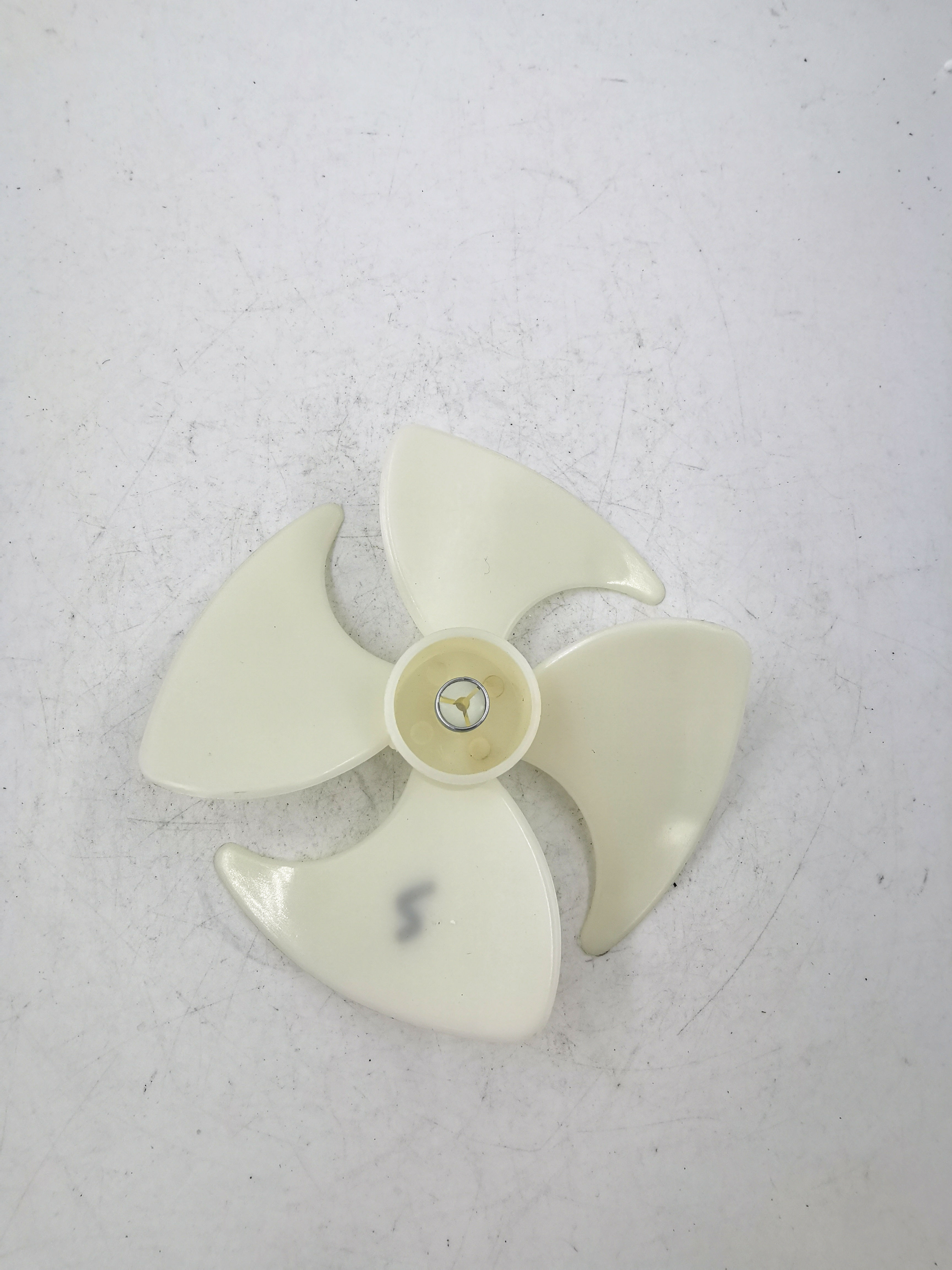 1pcs new Refrigerator cooling motor fan Plastic air blade 10CM for fan motor yzf-1-6.5-r