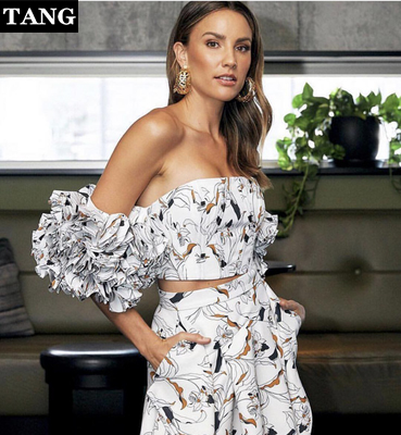 Tang hauts Mujer Verano 2019 été impression en mousseline de soie femmes Sexy épaule dénudée volants sur mesure femme gilet recadrée Feminino