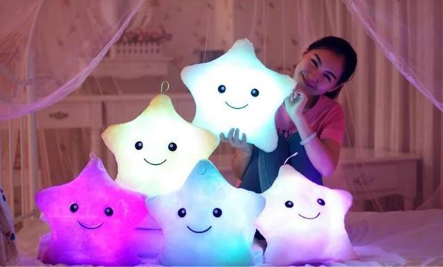 Travesseiro luminosa brinquedos de natal, Travesseiro de luz led, De pelúcia, Hot colorido estrelas, Crianças brinquedos, De, Presente de aniversário