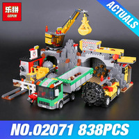 Lepin 02071都市鉱山セット群集本838ピース市シリーズ4204ビルディングブロックレンガ教育玩具クリスマスギフ