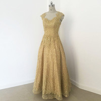 Long Prom Dresses 2018 Hot Sale Gold Appliques Pearls Lace Elegant Sleeveless Pink Blue Evening Gown