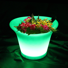 SK-LF08A (L29.0*W24.8*H24.8cm) 16 Color Change LED Flower Pot Illuminated Planter with 24 keys Remote Control Free Shipping 1pc