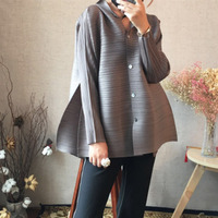 LANMREM 2019 new summer fashion stand collar batwing sleeves pleated single breasted loose shirt female blouse WG95101