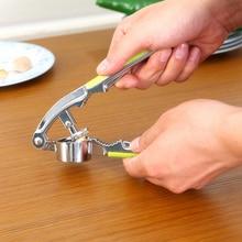 все цены на Kitchen manual 2in1 garlic press, walnut clamp kitchen tool 16*3.7*4cm free shipping онлайн