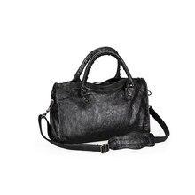 Sacs à main de luxe en cuir PU pour femmes, sacoche à pompon souple de styliste, sac à bandoulière Chic et élégant pour moto