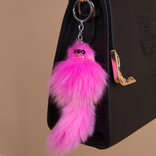 цена New Fashion 17cm Natural Fox Fur Key Ring Woman Keychain Bag Charms Female Car Key Chain  Man Fox Keyring Trinket Party Jewelry онлайн в 2017 году