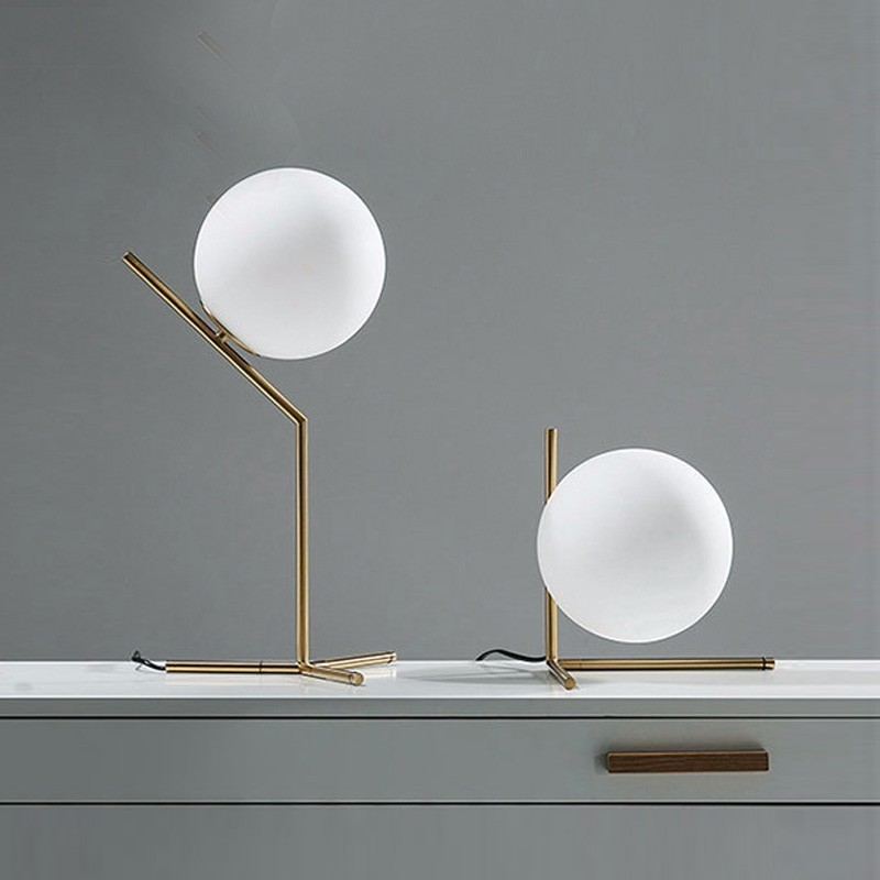 Modern LED glass ball desk lamp for dining room hotel bedside reading art design table study office Decorative lights