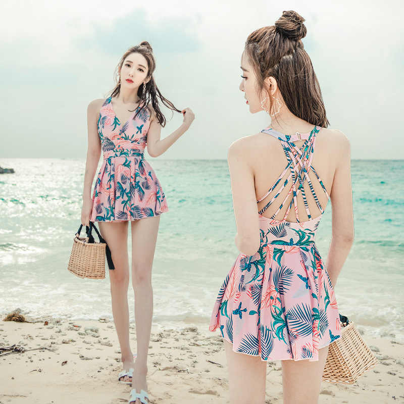 2019 New Sexy Lady Retro Floral Crinkle V Neck Ruffle Swimwear Women One Piece Swimsuit Female Swim Suit One Piece Skirt