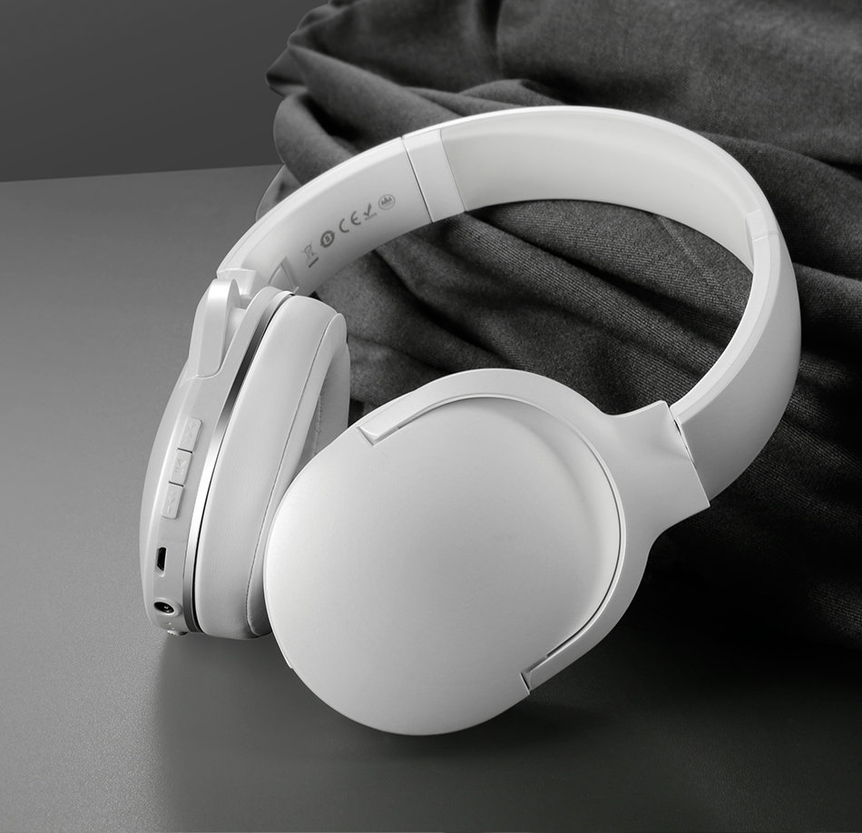 Adjustable & Foldable Bluetooth Headphone with Mic - D02 18