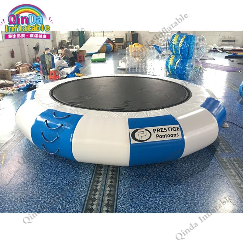Varios diseños inflables juguetes inflables de aire inflable trampolín de agua para el parque acuático