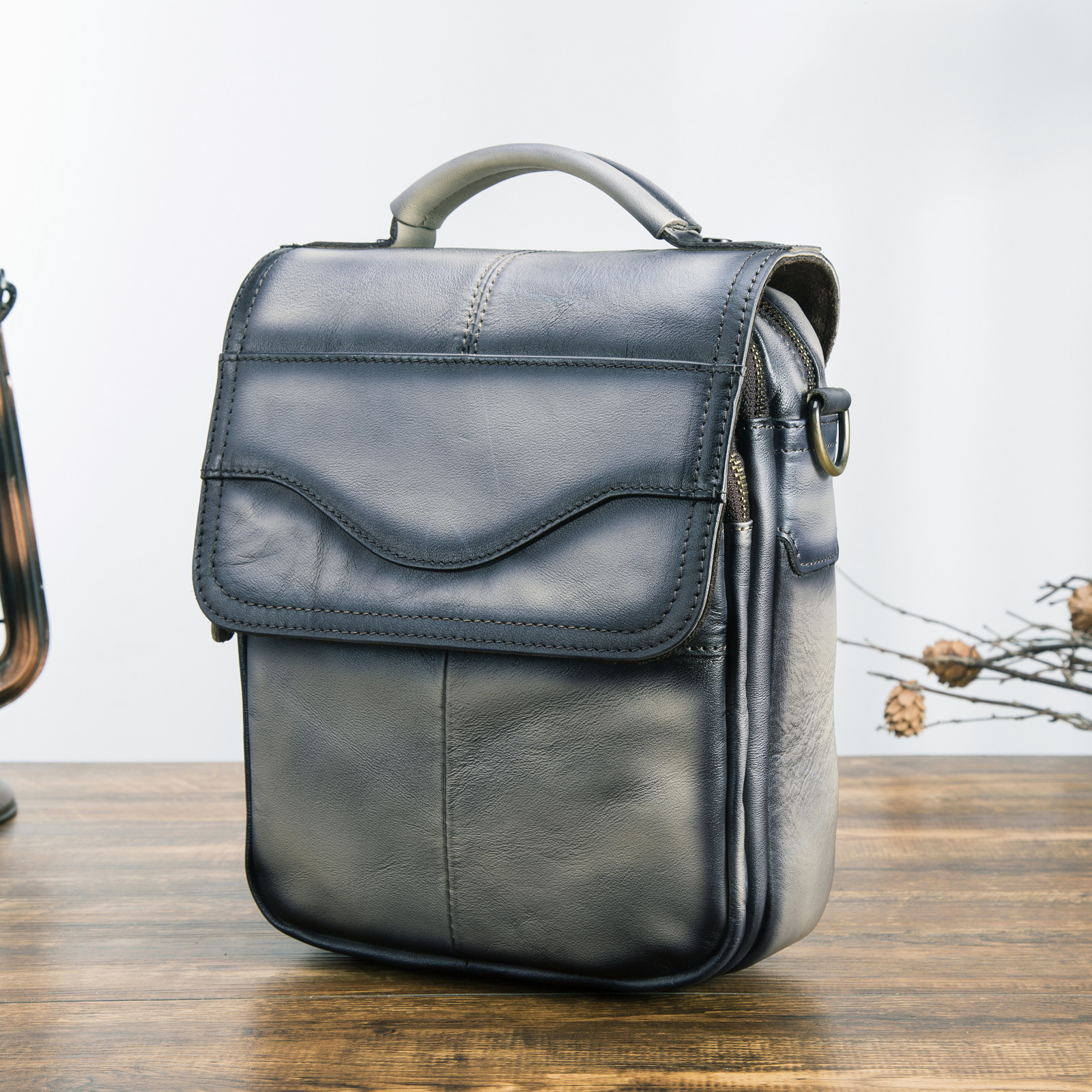 Originale In Pelle Maschile Casual di Scuola di Design di Spalla del Messaggero di Crossbody bag Fashion College Tablet Tote Libro Satchel bag 144drOriginale In Pelle Maschile Casual di Scuola di Design di Spalla del Messaggero di Crossbody bag Fashion College Tablet Tote Libro Satchel bag 144dr